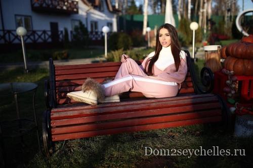Татьяна Строкова поставила точку в отношениях с Даниилом Сахновым