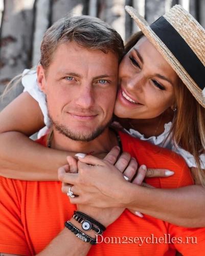 Александр Задойнов рассказал как проходит их с Ксенией лечение