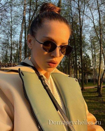 Александра Артемова подает на развод с Кузиным